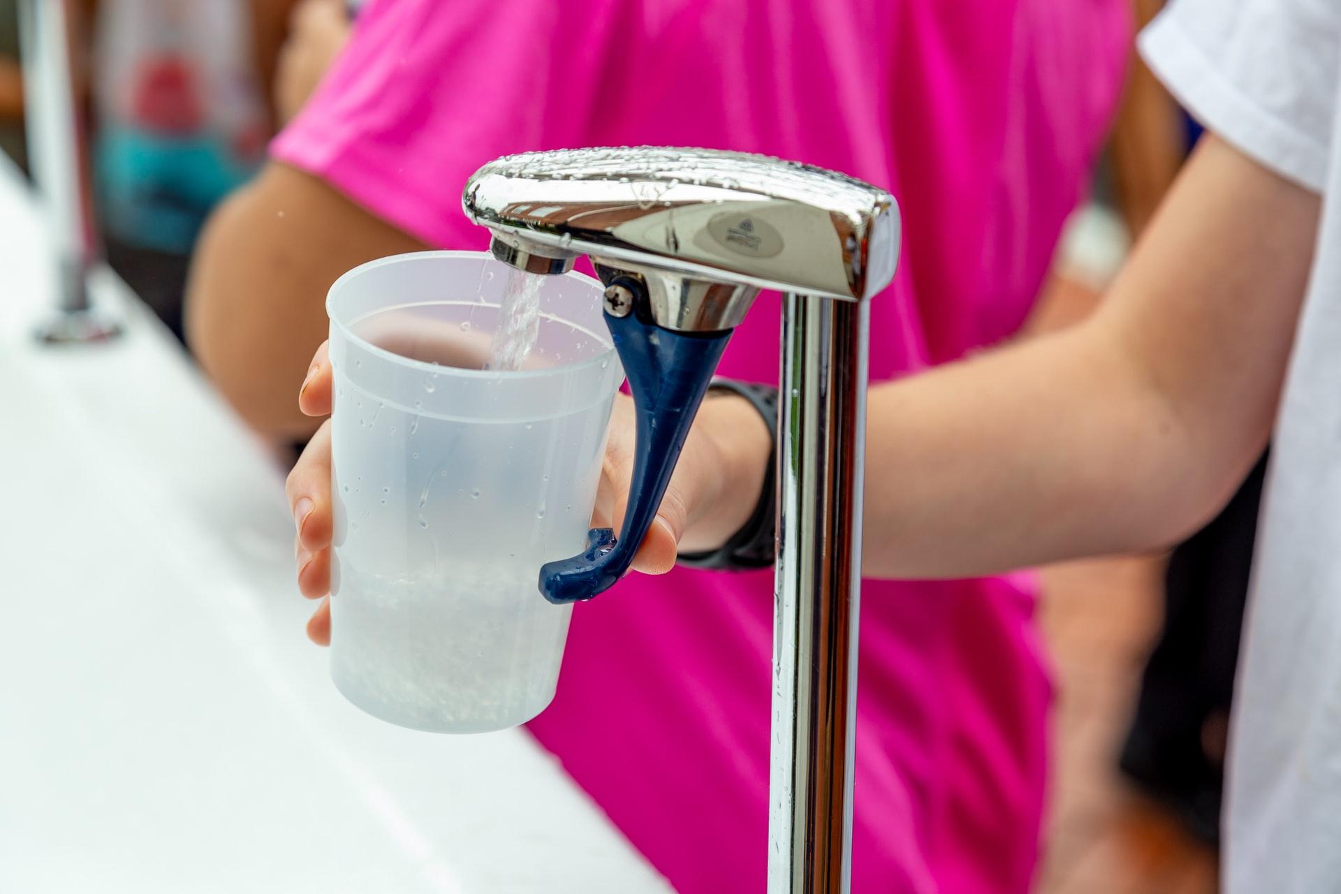 Come scegliere l'acqua da bere: breve guida