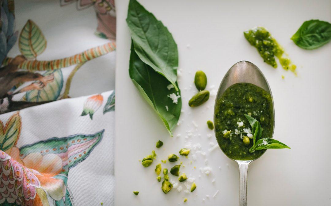 Pesto alla genovese. Origini e proprietà